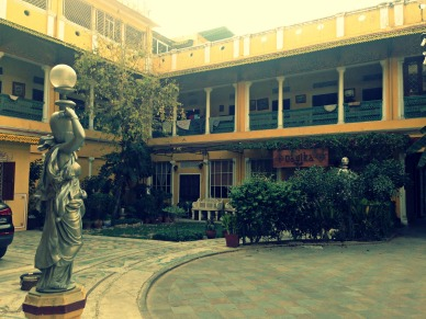 Shopping courtyard at Tholia House, Jaipur